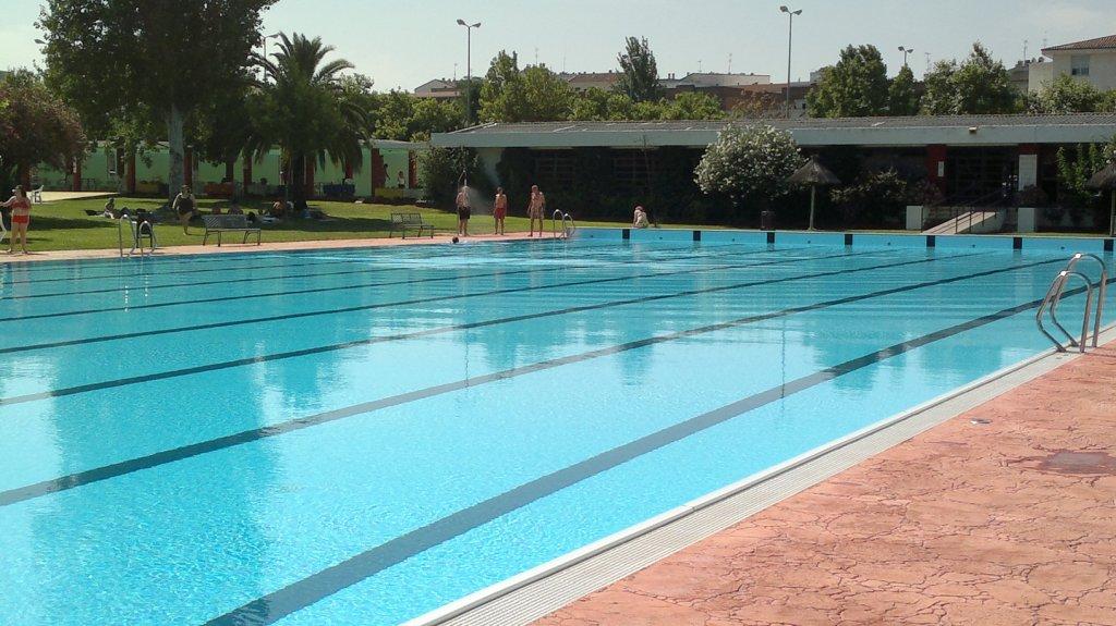 obras en la piscina climatizada de don benito